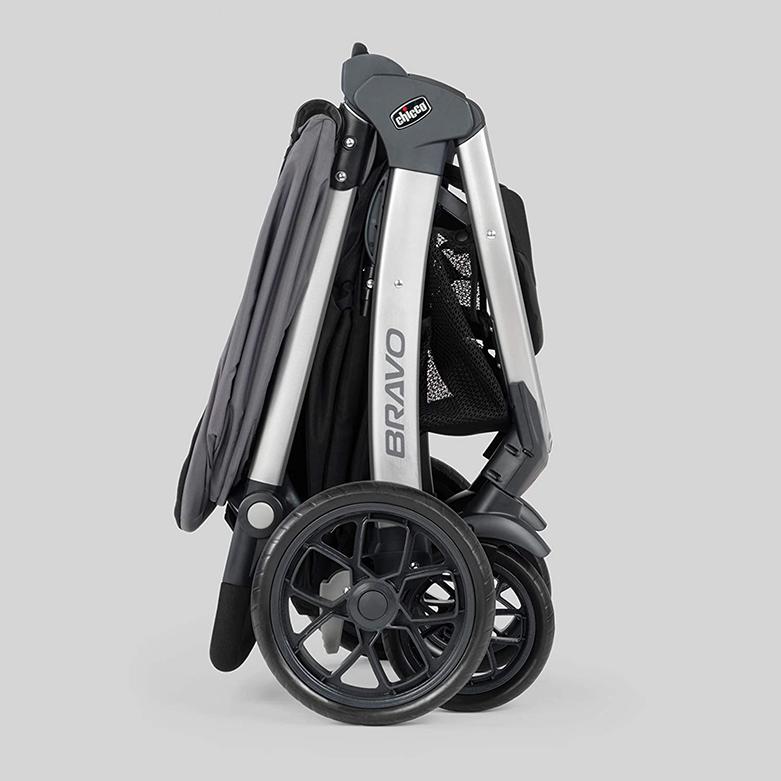 Chicco Bravo Trio Travel System Stroller foldable.